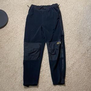 Mountain Hardware Windstopper pants
